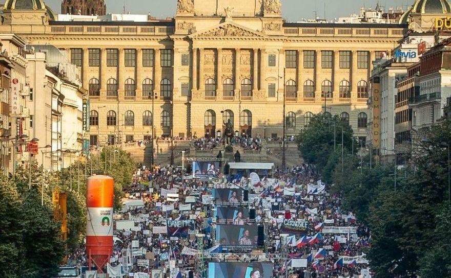 Protest masiv împotriva premierului ceh Andrej Babis în Piaţa Wenceslas din Praga, Republica Cehă, 4 iunie 2019