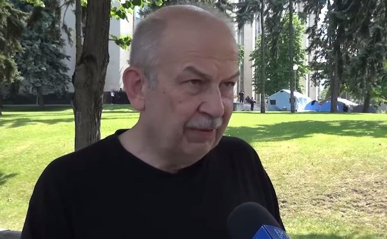 Analistul Victor Ciobanu