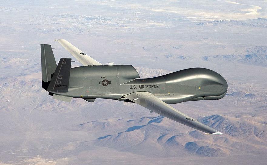 Dronă americană militară RQ-4 Global Hawk