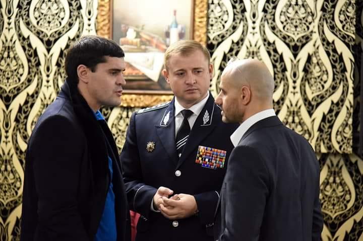 Constantin Ţuţu (stânga), fost deputat PD şi Gheorghe Cavcaliuc (centru), fost şef adjunct al Inspectoratuli de Poliţie al R. Moldova