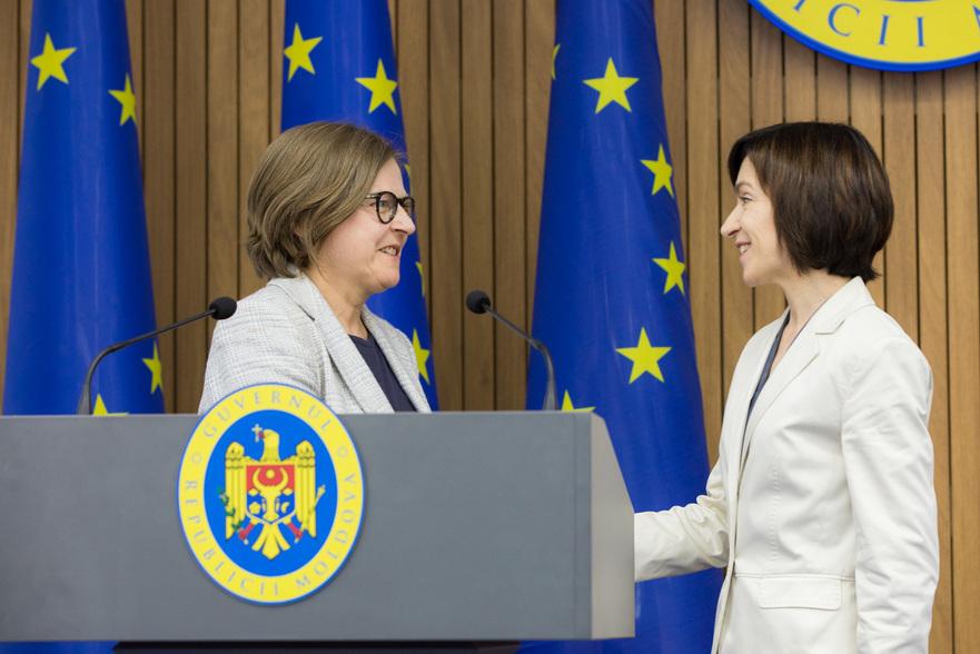 Vicepreşedintele PE Heidi Hautala şi prim-ministrul Maia Sandu