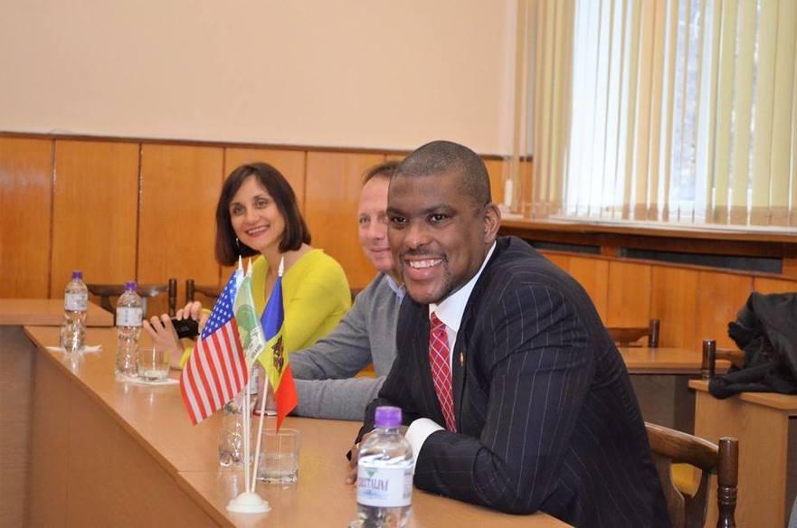 Dereck J. Hogan, Ambasadorul SUA în R. Moldova