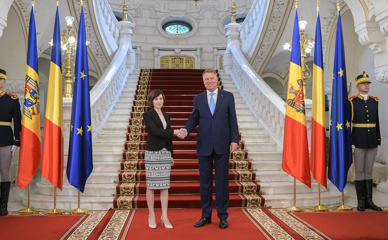 Presedintele Klaus Iohannis a primit-o marti, la Palatul Cotroceni, pe Maia Sandu, premierul Republicii Moldova.