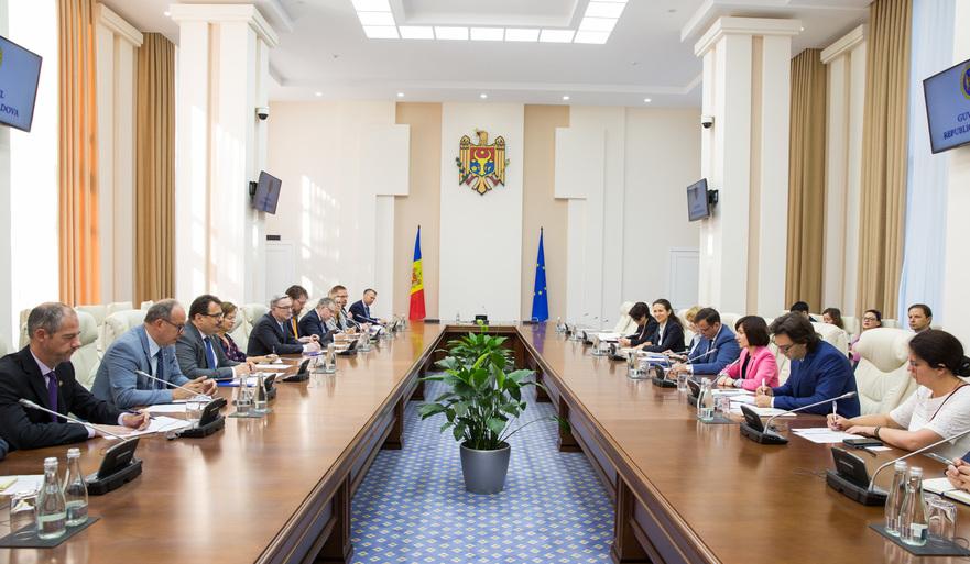 Intrevederea Guvernului Sandu cu ambasadorii UE acreditaţi la Chişinău, 18.07.2019