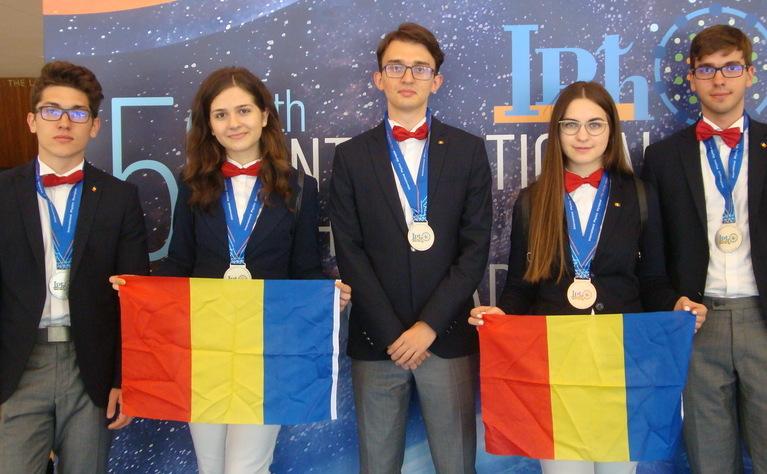 Elevi români premiaţi la Olimpiada internaţională de fizică