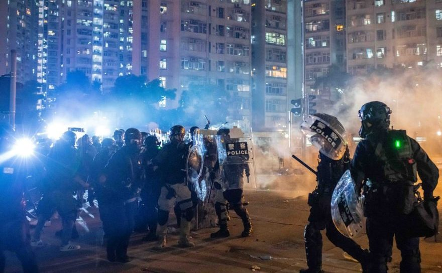 Trupe anti-revoltă în Hong Kong, 5 august 2019