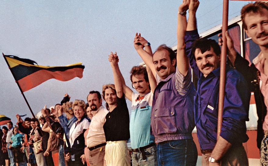 Lanţuri umane împotriva tancurilor lui Gorbaciov, Tările Baltice, 1989