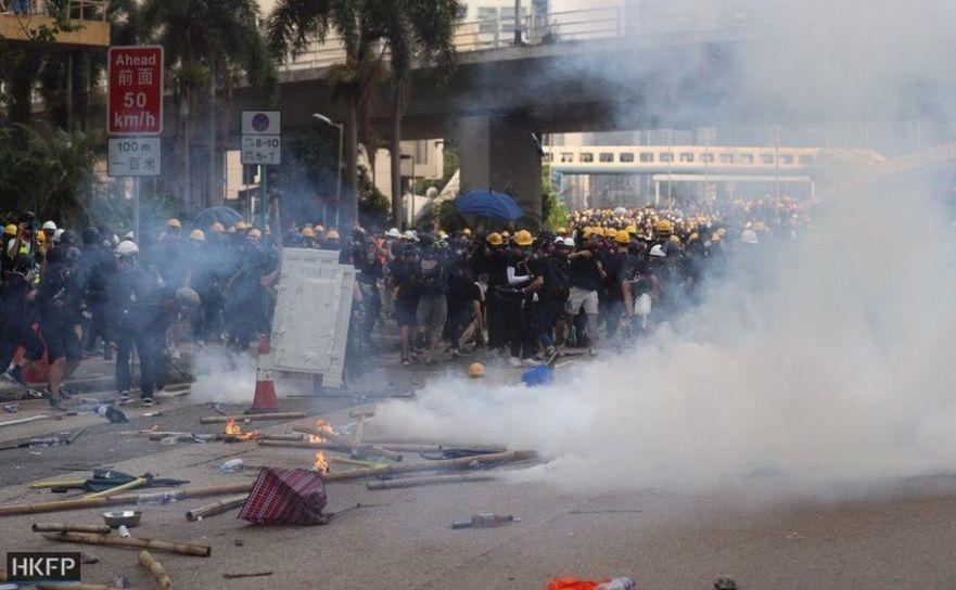 Protestele continuă în Hong Kong