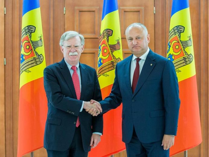 John Bolton şi Igor Dodon