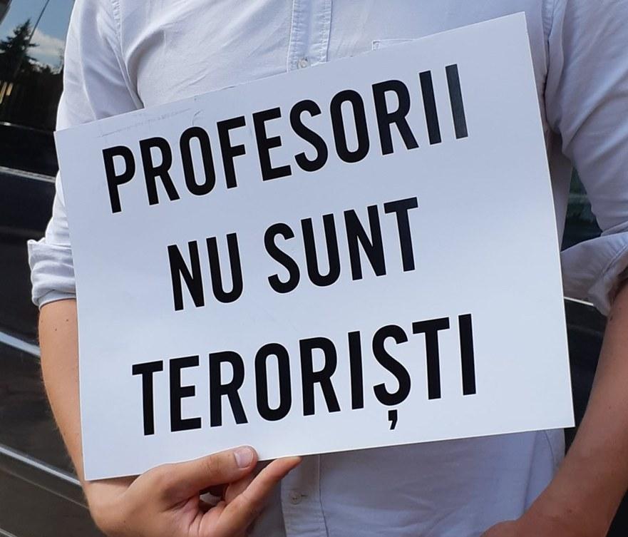 Protest în susţinerea profesorilor turci expulzaţi din Moldova