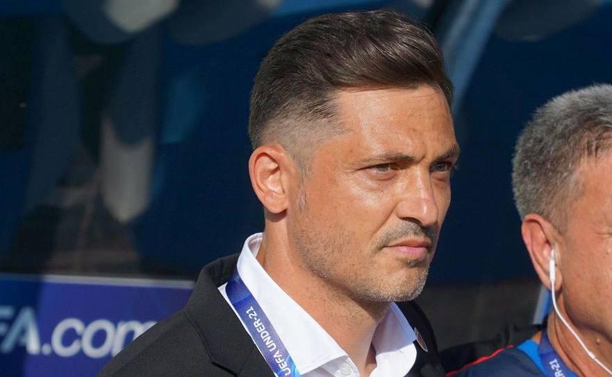 Selecţionerul echipei de fotbal Under-21 a  României, Mirel Rădoi.