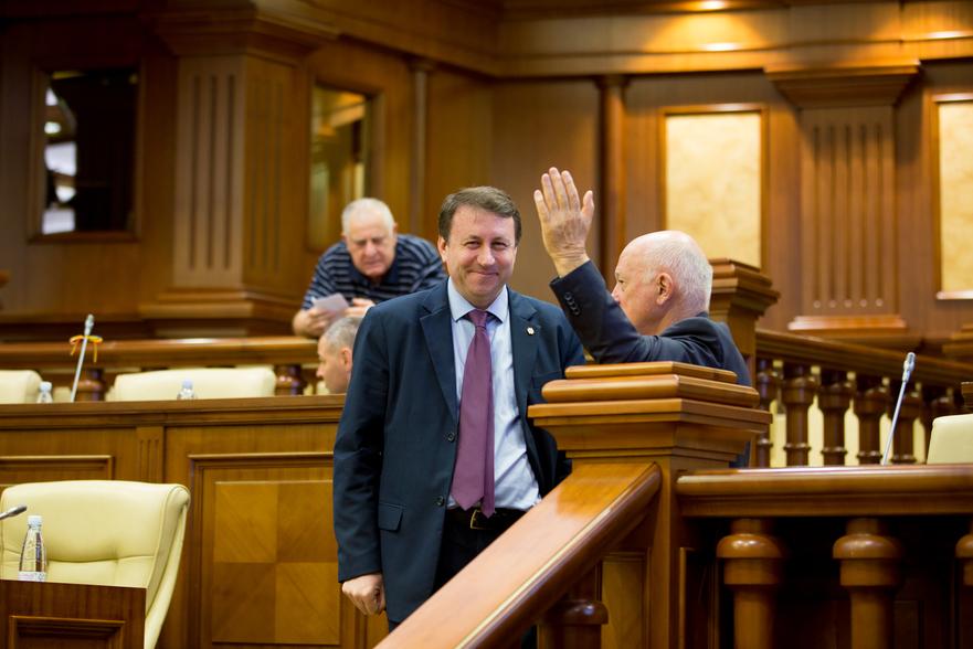 Igor Munteanu, deputat în Parlamentul R. Moldova