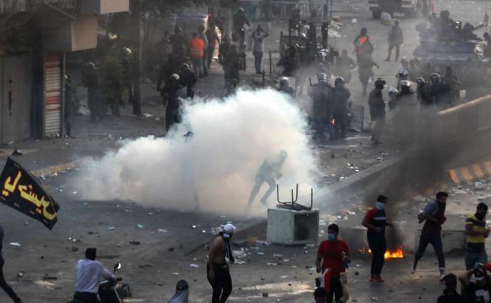 Proteste violente în Irak