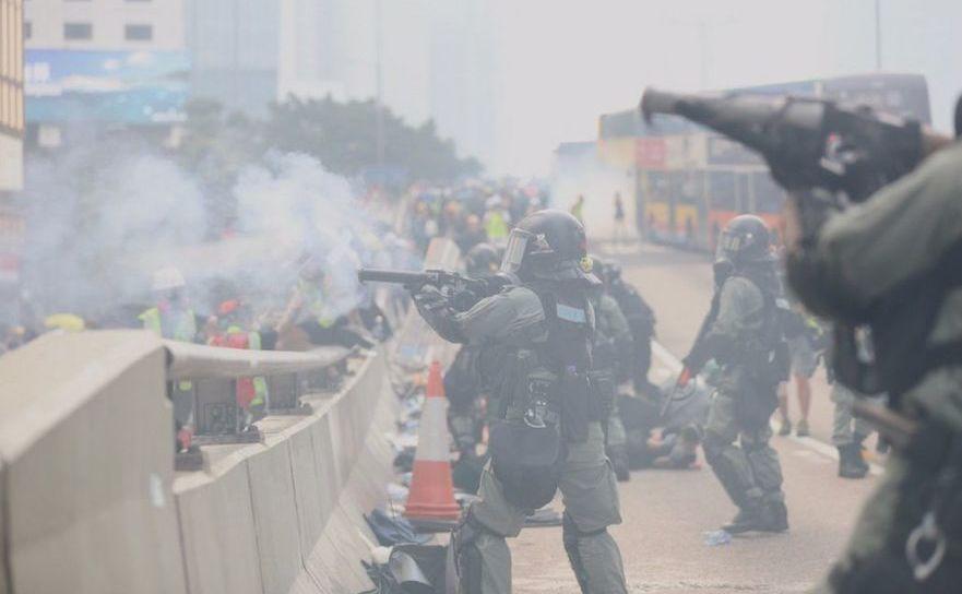 Noi proteste în Hong Kong, generate de brutalitatea poliţiei