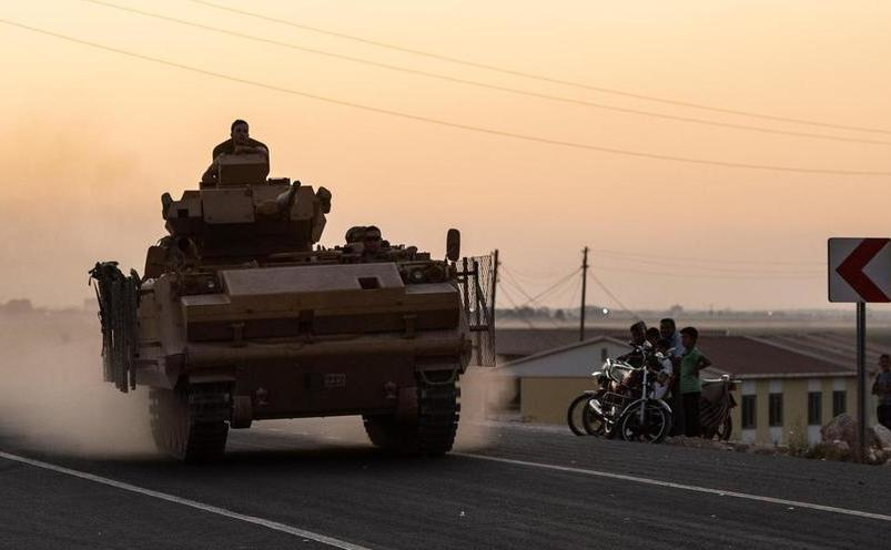 Vehicul blindat aparţinând armatei turce, în Siria