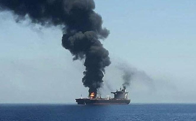 Tanc petrolier iranian atacat cu rachete în Marea Roşie