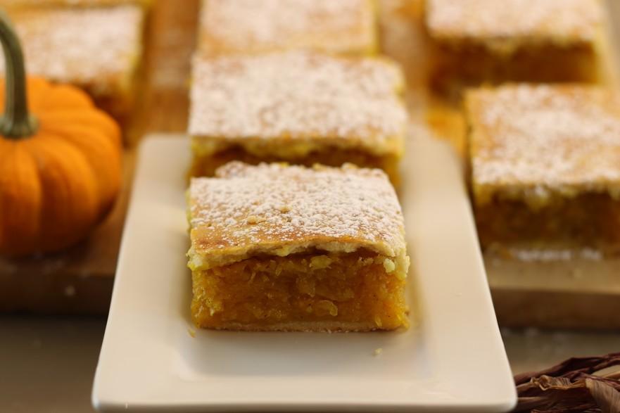Plăcinta de dovleac cu aluat fraged