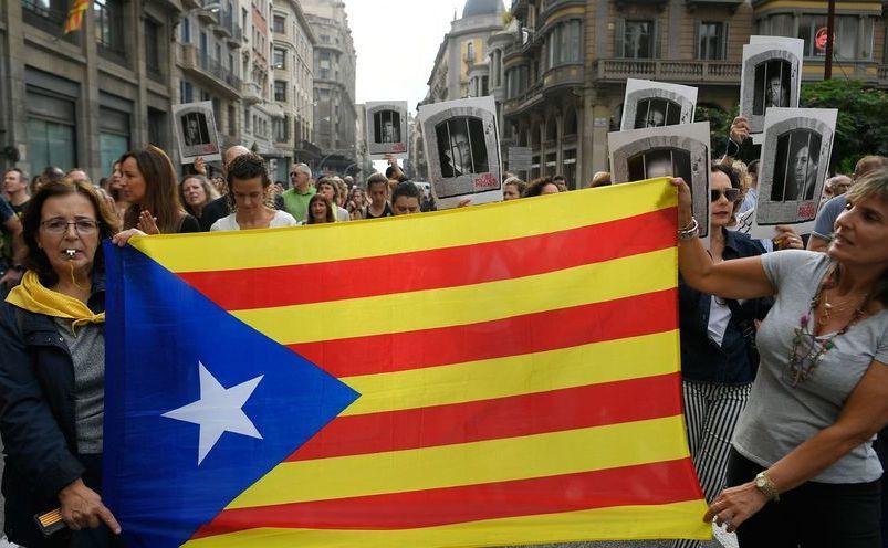 Proteste în Barcelona după ce un tribunal condamnă la ani grei de îbchisoare liderii separatişti