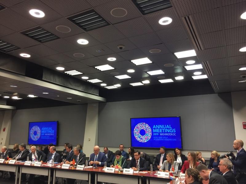 Delegaţia RM la Washington, întrumire cu FMI