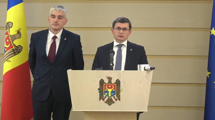 Deputaţi ai Blocului ACUM, Alexandru Slusari şi Igor Grosu