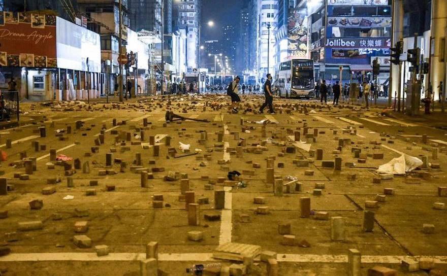 Haos în Hong Kong, unde un război urban împotriva regimului comunist de la Beijing durează de şase luni