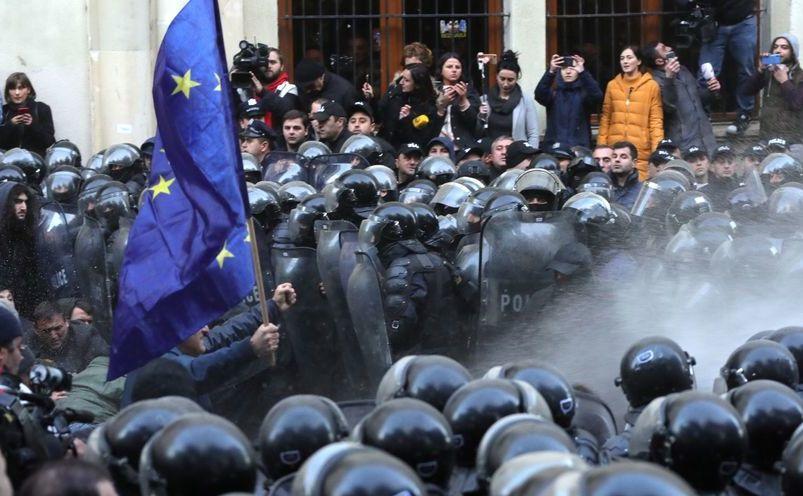 Demonstraţii în Tbilisi