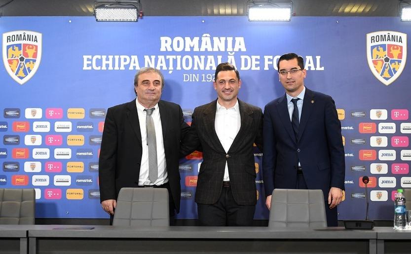 Preşedintele FRF, Răzvan Burleanu, directorul tehnic al FRF, Mihai Stoichiţă, alături de noul selecţioner al naţionalei României, Mirel Rădoi.