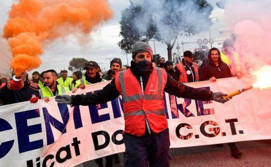 Proteste masive împotriva sistemului de pensii în Franţa
