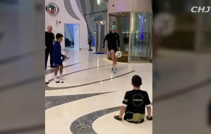 Cristian Ronaldo împreună cu Ali Turganbekov