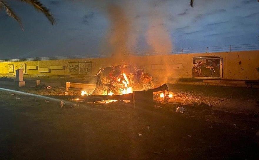 Rămăşiţele autovehiculului în care se afla generalul Qassem Soleimani când a fost omorât de un atac cu drone american, Bagdad