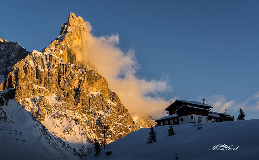 Pasul Rolle, Trento,Pasul Rolle Pass Situat la 1.980 metri deasupra nivelului mării este un punct de atracţie foarte puternic pentru iubitorii de schi alpin.