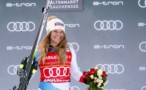 Schioarea elveţiană Corinne Suter.
