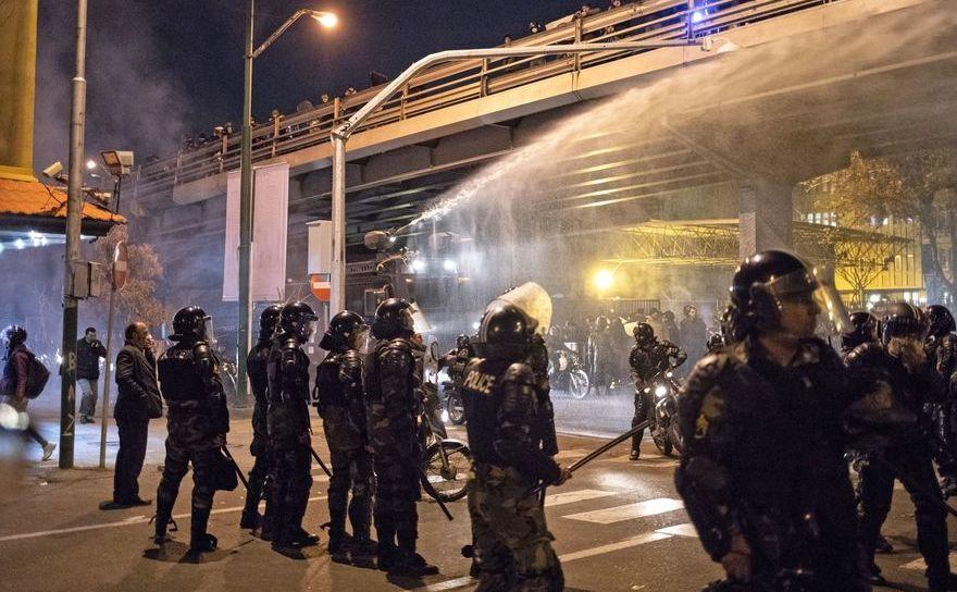 Regimul iranian trimite forţe d eordine împotriva manifestanţilor care cer demisia liderilor, după scandalul avionului ucrainean doborât