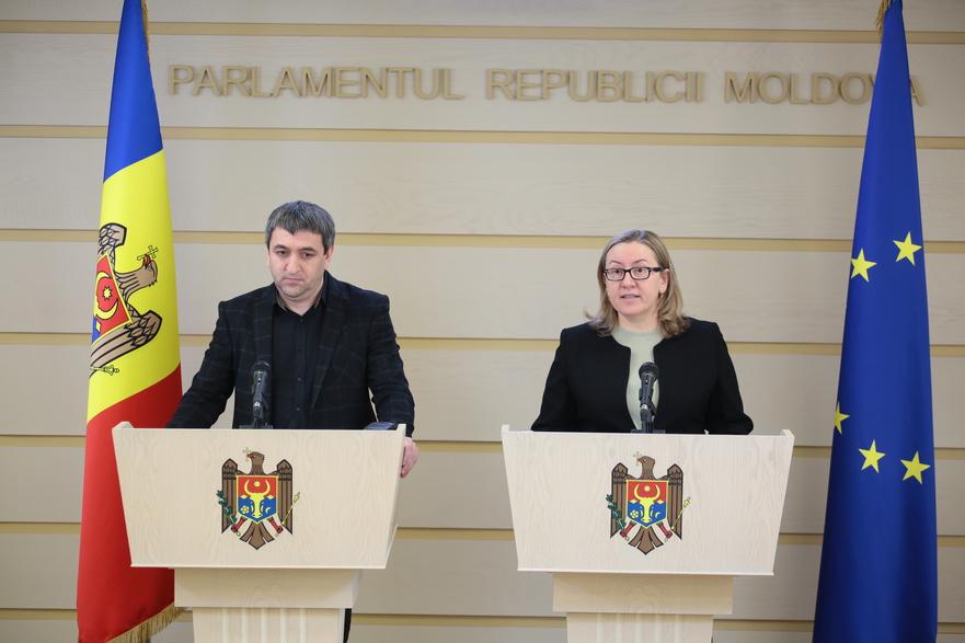 Lilian Carp, Galina Sajin, deputaţi PAS