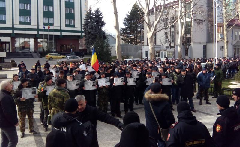 Veteranii războiului de pe Nistru cer demisia ministrului de Externe de la Chişinău, Ciocoi