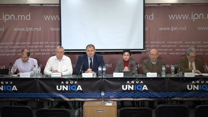 Experţi moldoveni, membri ai societăţii civile