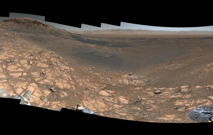 O panoramă a suprafeţei planetei Marte