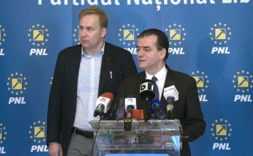Ludovic Orban şi Victor Costache (stânga)