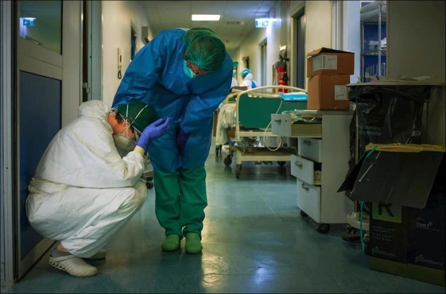 Medici în lupta cu virusul Partidului Comunist Chinez
