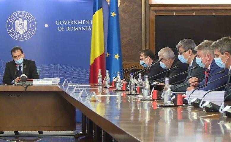 Premierul Ludovic Orban în timpul şedinţei de Guvern din 27 mai 2020