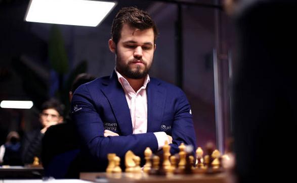 Marele maestru norvegian Magnus Carlsen.