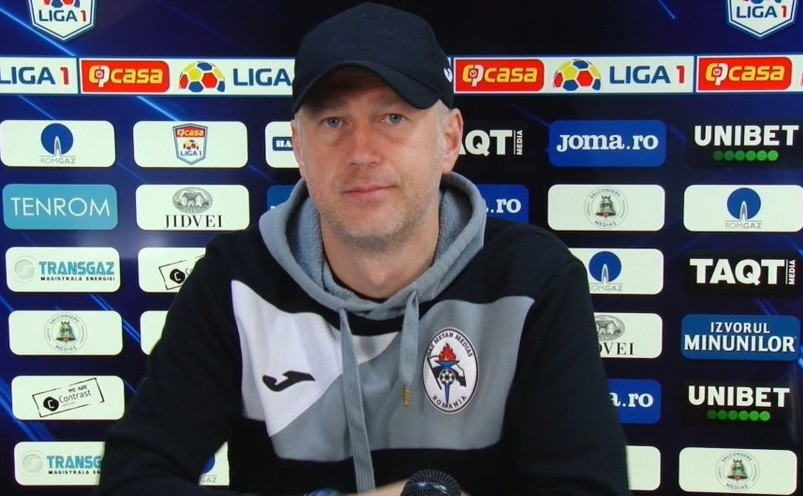 Antrenorul român Edi Iordănescu.