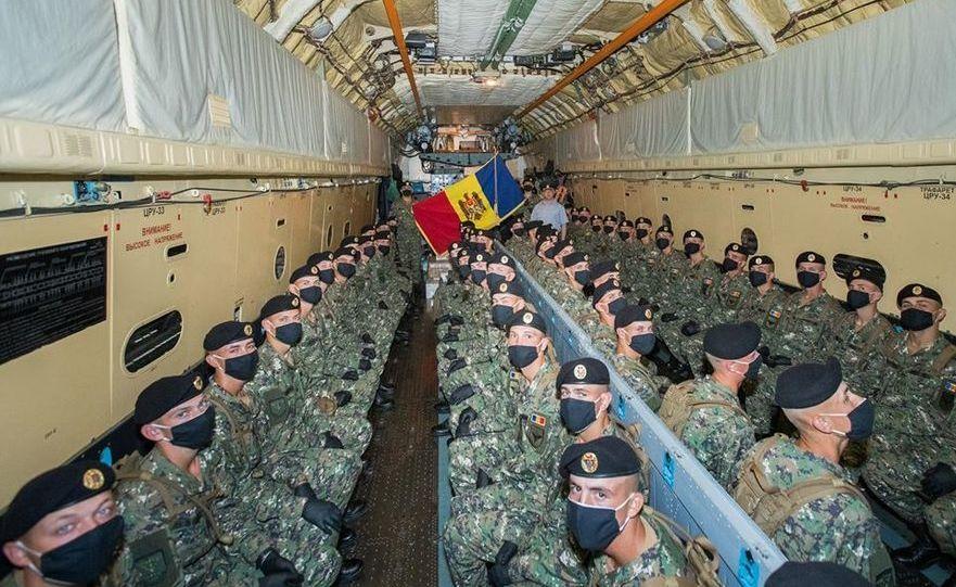 Militari ai Gărzii de Onoare a R. Moldova în drum spre Moscova
