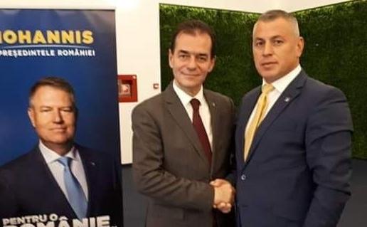 Prim-vicepreşedintele PNL Vrancea Daniel Moroşanu alături de premierul Ludovic Orban