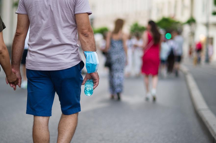 Bucuresteni iesiti la plimbare in weekend in timpul crizei coronavirus, starea de alerta