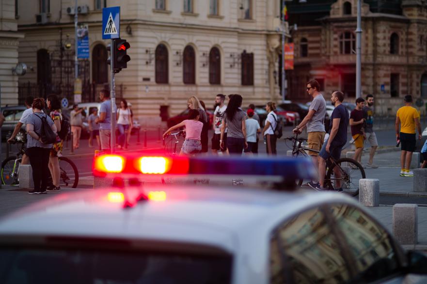 Politia asigura fluidizarea traficului pietonal in timpul crizei coronavirus, starea de alerta