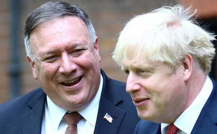 Secretarul american de stat Mike Pompeo împreună cu premierul britanic Boris Johnson