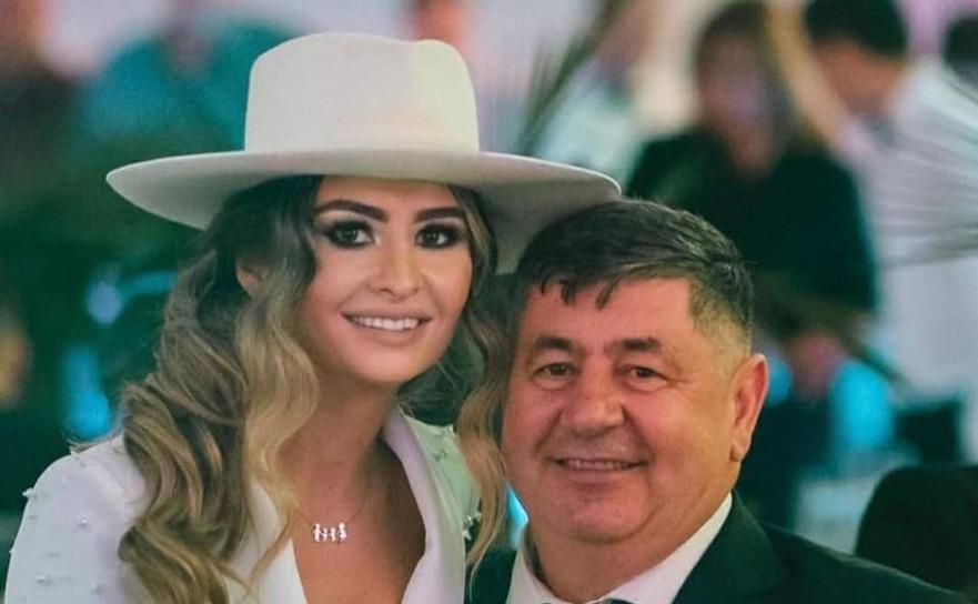 Paula Corbu şi tatăl ei, Mircia Muntean, fost primar al Devei