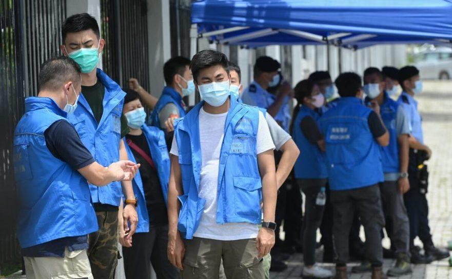 Poliţia din Hong Kong încercuieşte sediul publicaţiei Apple Daily după arestarea magnatului Jimmy Lai - 10 august 2020