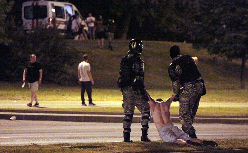 Brutalitate a poliţiei din Bielorusia